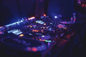 random-dj-name-generator